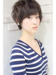 エアリーショート×黒髪×小顔